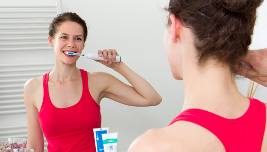 Toothbrush with ultrasound-the Emmi dent advantages